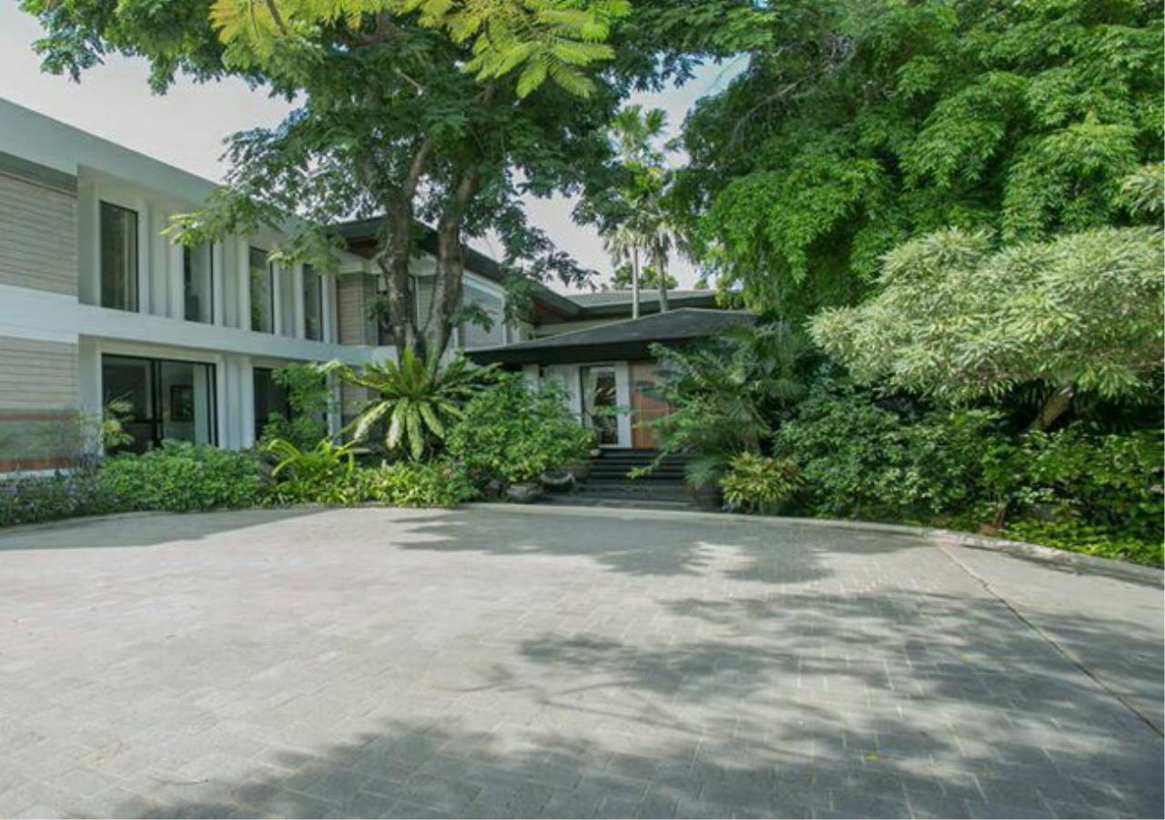 35135 - Single house Luxury Decorated For Sale on Pattanakarn 65 Rd 387 sqw, ภาพที่ 1