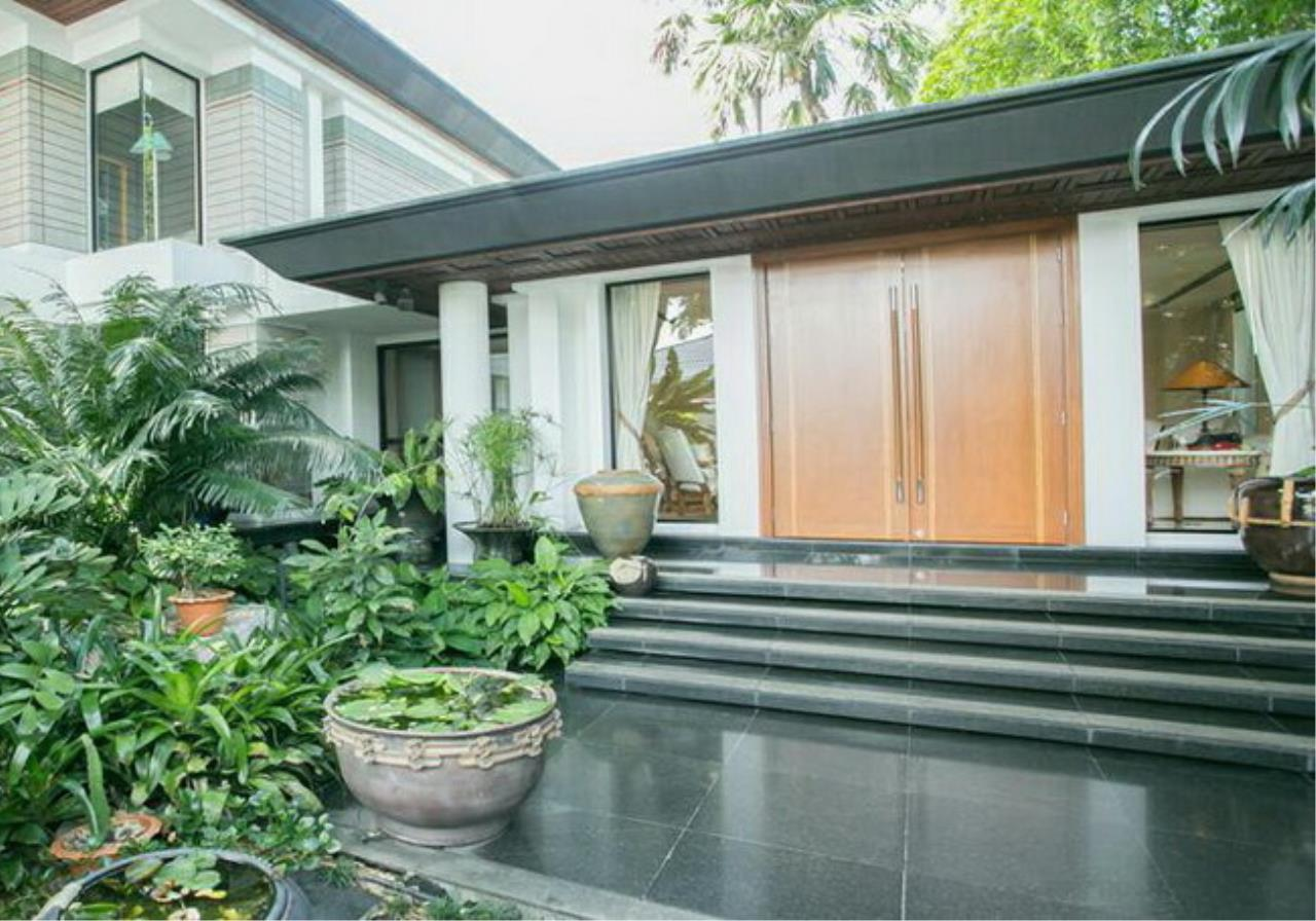 35135 - Single house Luxury Decorated For Sale on Pattanakarn 65 Rd 387 sqw, ภาพที่ 3