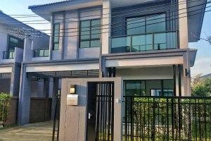 ขายหรือให้เช่าบ้านเดี่ยว 2 ชั้น ในโครงการ เดอะ แกลเลอรี่ รัตนาธิเบศร์-ราชพฤกษ์ สนใจติดต่อ 0947576765 / line id : pploy.95  บางเลน · บางใหญ่ · นนทบุรี