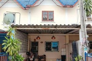 ขายทาวน์โฮม 2 ชั้น ในโครงการ บ้านสาธิต บ่อวิน · ศรีราชา · ชลบุรี