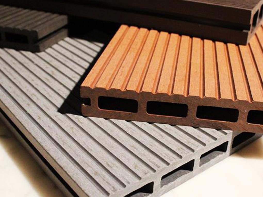 ผนังไม้เทียม
