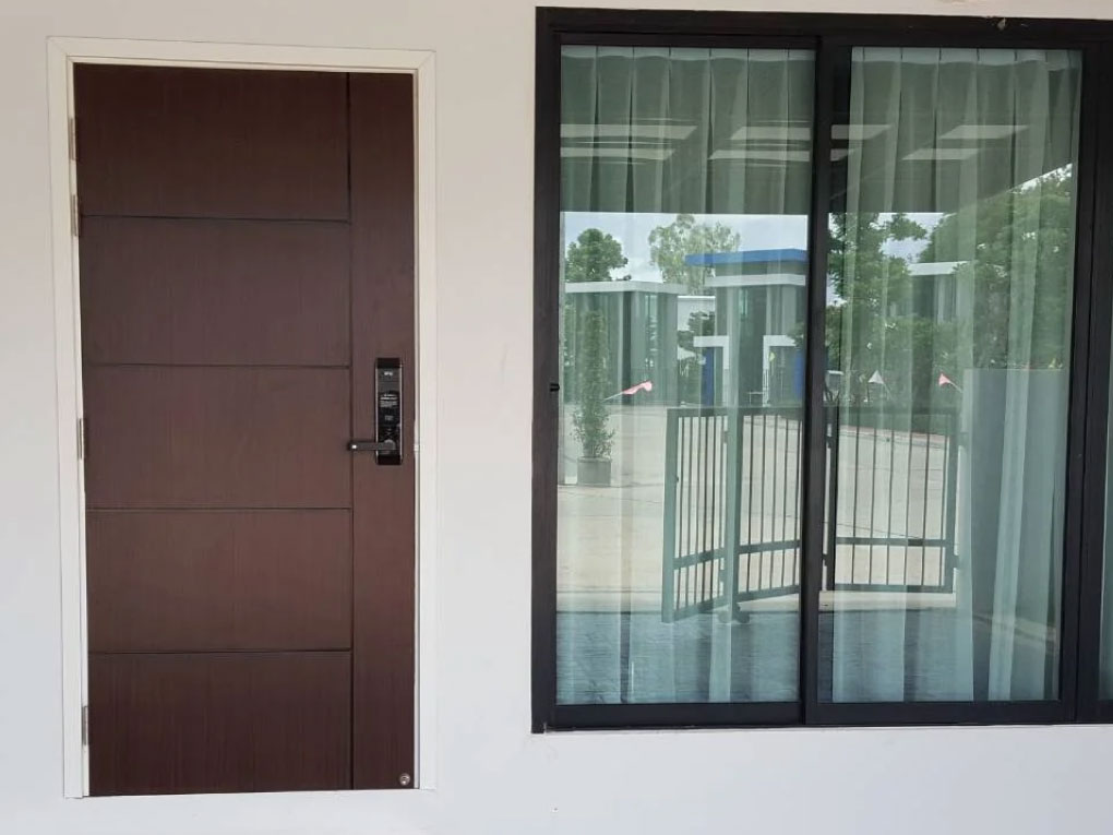 ประตู uPVC ภายนอก
