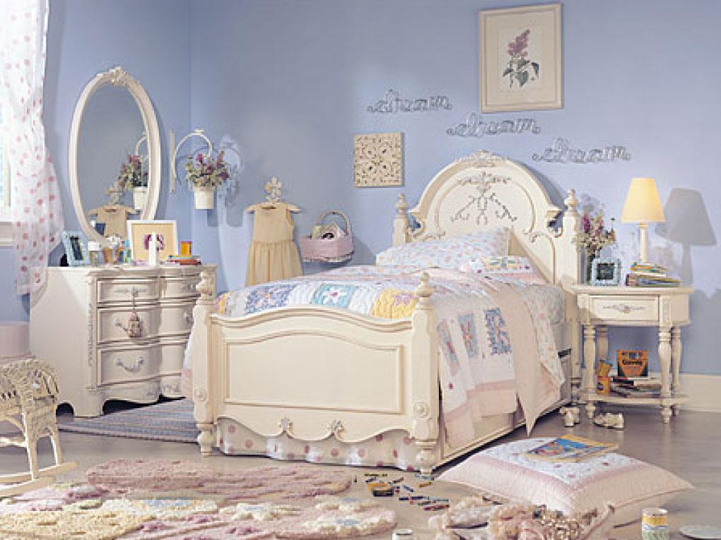 ห้องนอนสีฟ้าสไตล์เจ้าหญิง