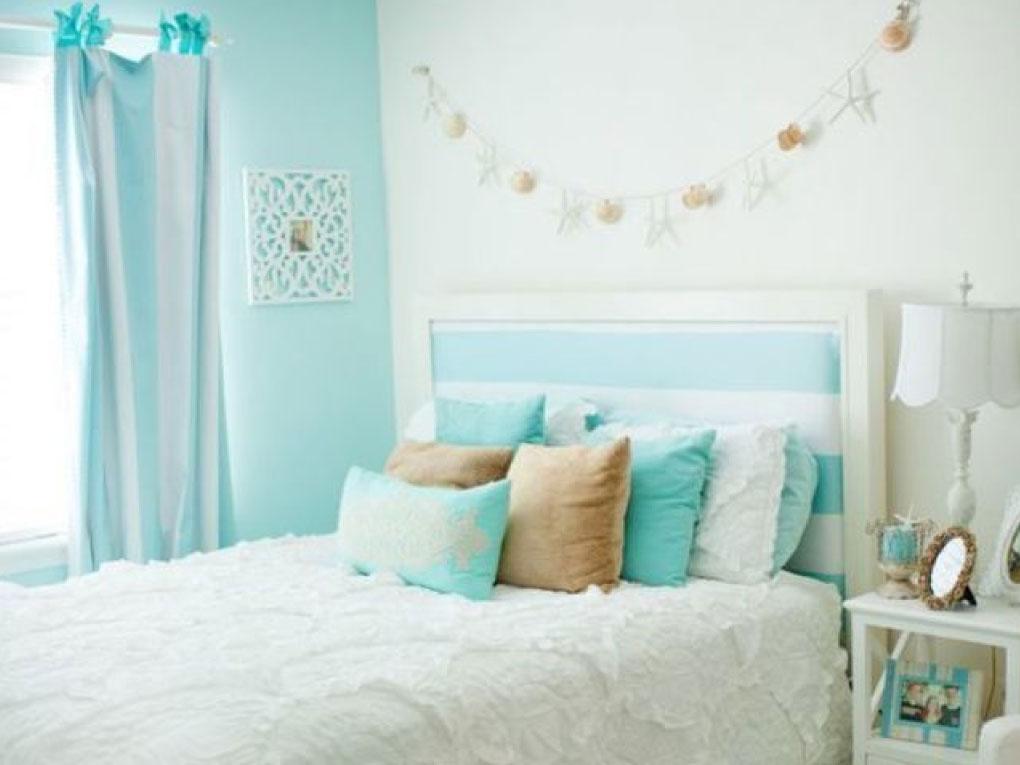 ห้องนอนสีฟ้าจับคู่สีขาว