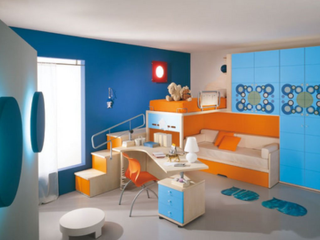 ห้องนอนสีฟ้าจับคู่สีส้ม