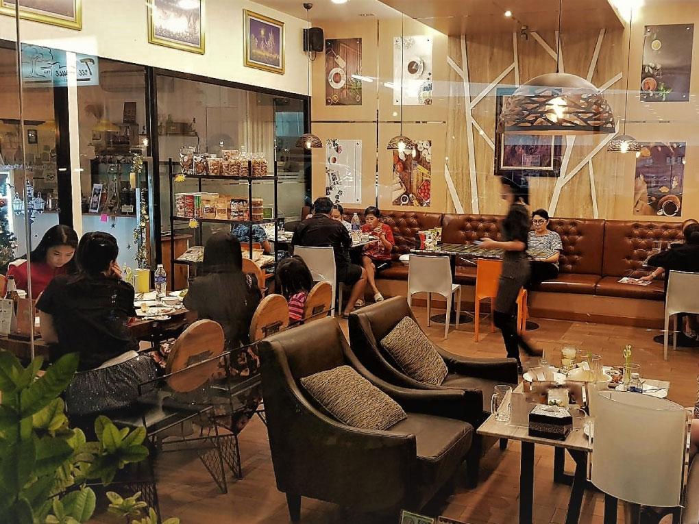 Tree House café