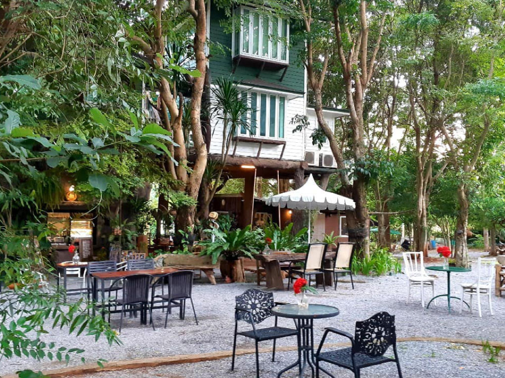 BaanZakaCafe'&Resort
