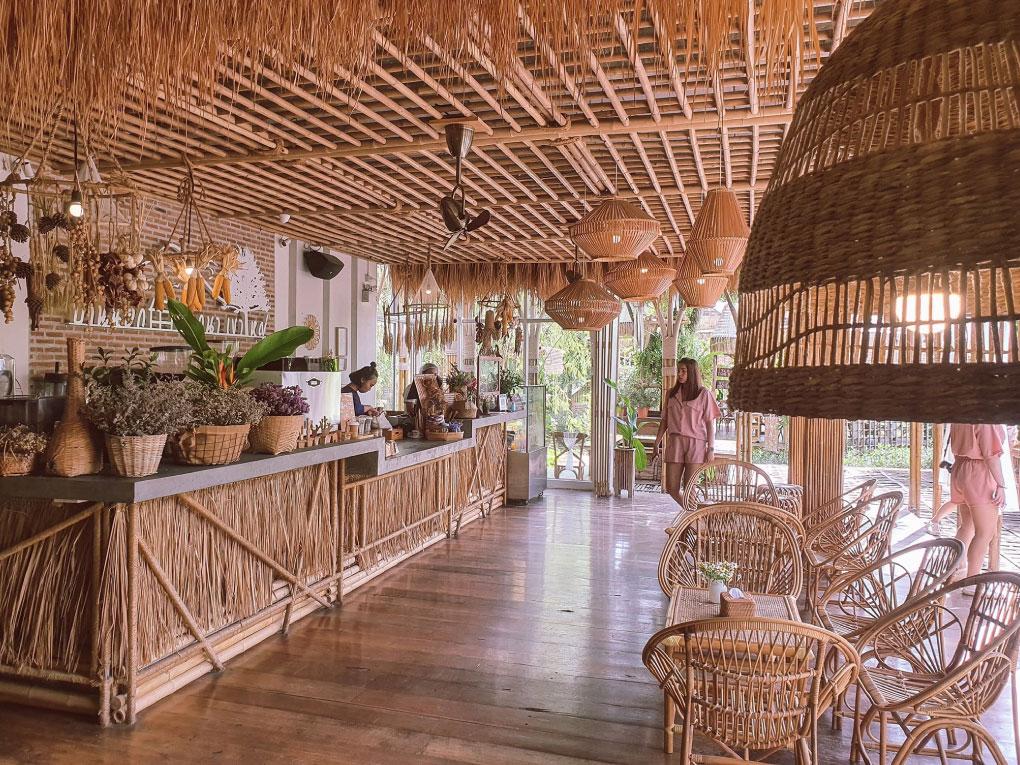 BaanNok Kokna Cafe
