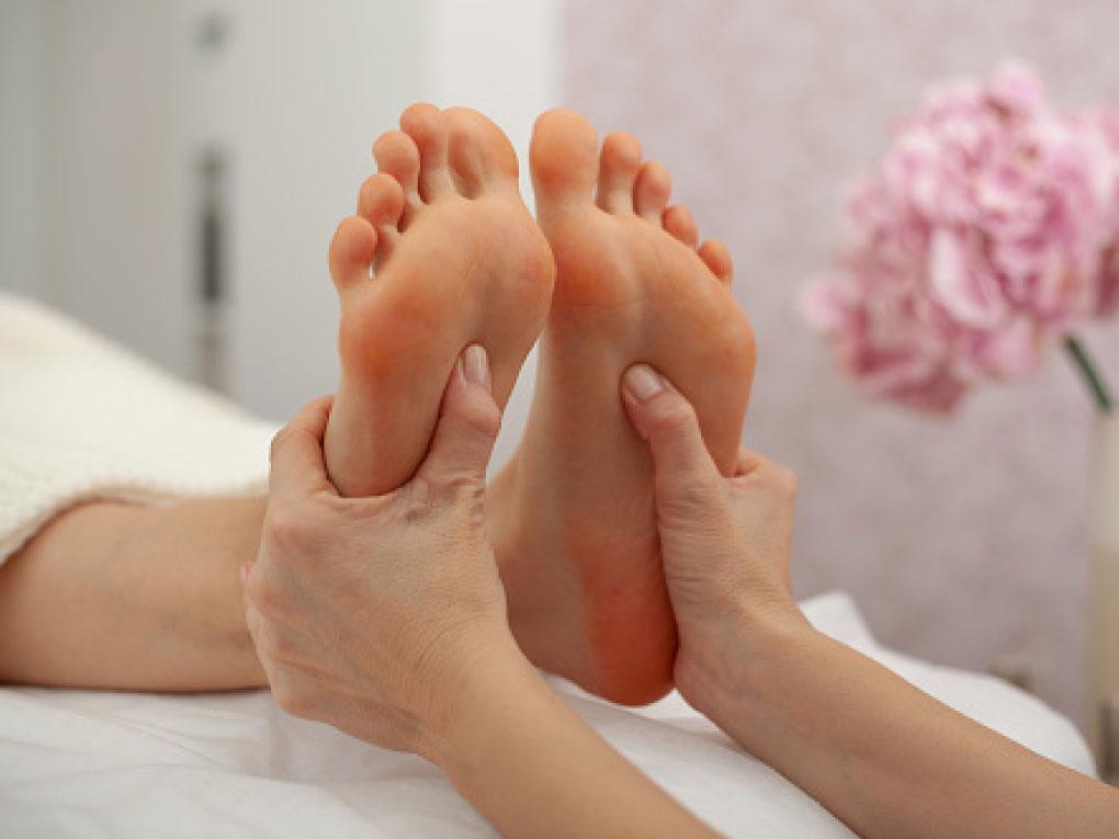 ดูแลสุขภาพเท้า