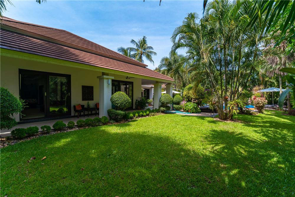 RE/MAX ID : RS025 <BR> <BR>If you are looking for a holiday home that is beautiful, good quality, like a hotel. Surrounded by the nature of coconut palms, beautifully decorated and comfortable gardens, excellent community management and a peaceful atmosphere suitable for true relaxation, do not miss this quality project.  <BR> <BR>Asking price: 11 Million baht <BR> <BR>Location: Maenam, Koh Samui <BR> <BR>Land size : 900 sq.m. <BR> <BR>Key Feature: <BR> <BR>✅ 4 Bedrooms <BR> <BR>✅ 4 Bathrooms + 1 Outside Balinese style <BR> <BR>✅ Each Bedroom with Air-condition <BR> <BR>✅ Parking Outside of the Villa, (Parking Place) <BR> <BR>✅ Private Swimming Pool (approx. 40 sq.m.) <BR> <BR>✅ Internet <BR> <BR>✅ Land Size : 900 sq.m. <BR> <BR>✅ Villa size : Living Area 230 sq.m.+ 70sq.m. decks <BR> <BR>✅ Land Title : Chanote <BR> <BR>✅ Electric 3 phase <BR> <BR>✅ Security Outside 4 secure cameras <BR> <BR>✅ Access : Right of way to public road <BR> <BR>Note : Location shown is our office. <BR>