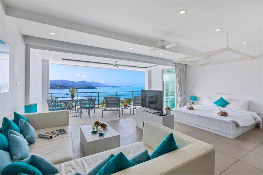 2 Bedroom sea-view apartment in Bang Rak