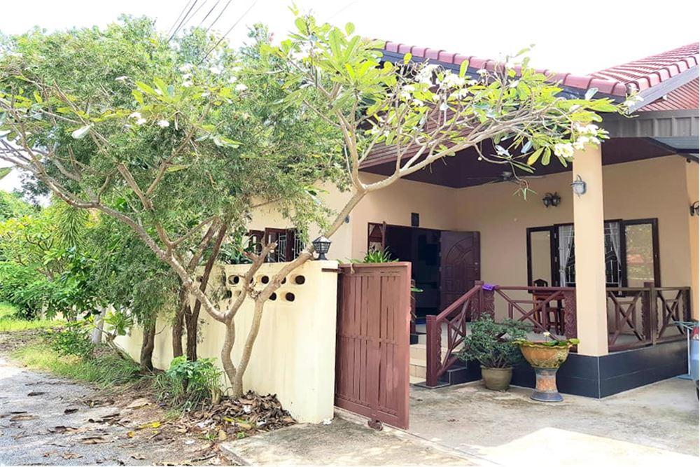 3 Bedrooms near Bangrak Beach, Koh Samui for SALE