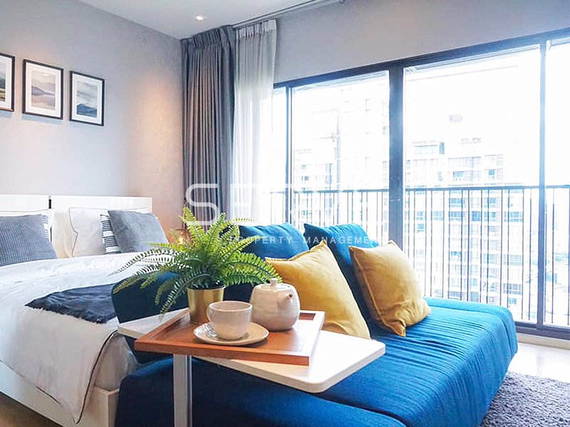 Nice & Bright Studio 1 Bd. Unit with Bathtub for Rent in Phrom Phong