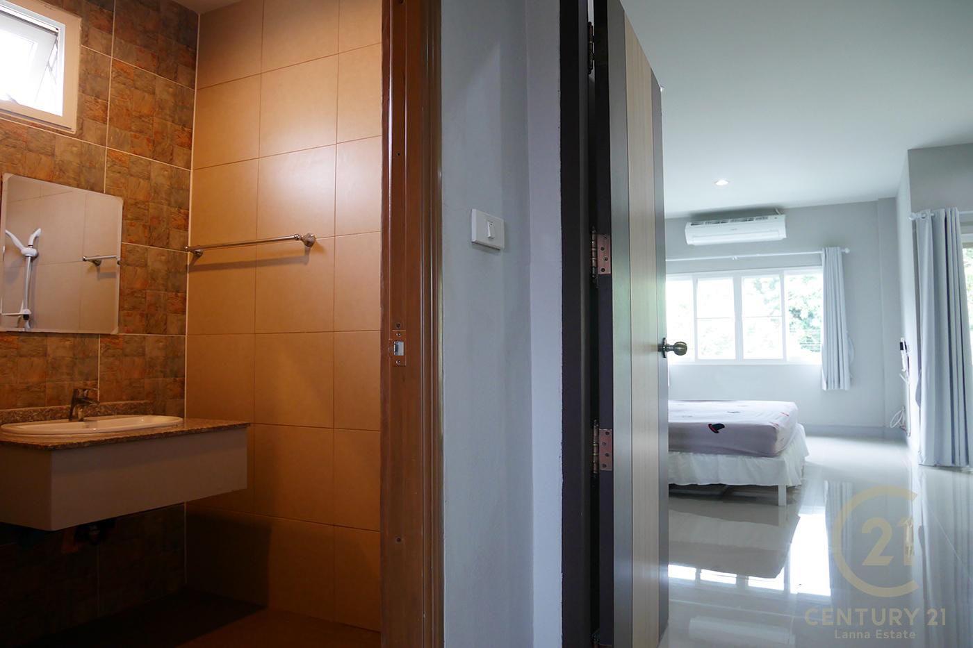 ให้เช่า ทาวน์เฮ้าส์ 2 ห้องนอน ย่าน Chang Phuak