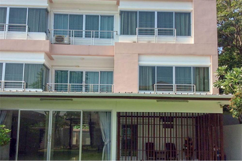 house or home office in Sukhumvit + garden + pet