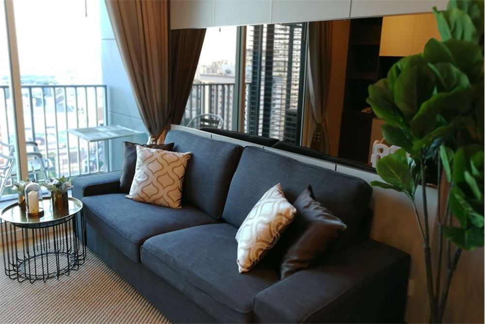 For rent Siri at Sukhumvit BTS Thonglor  1 bed 1 bath with 52 sqm  this unit is at 27th floor with nice decorated face t