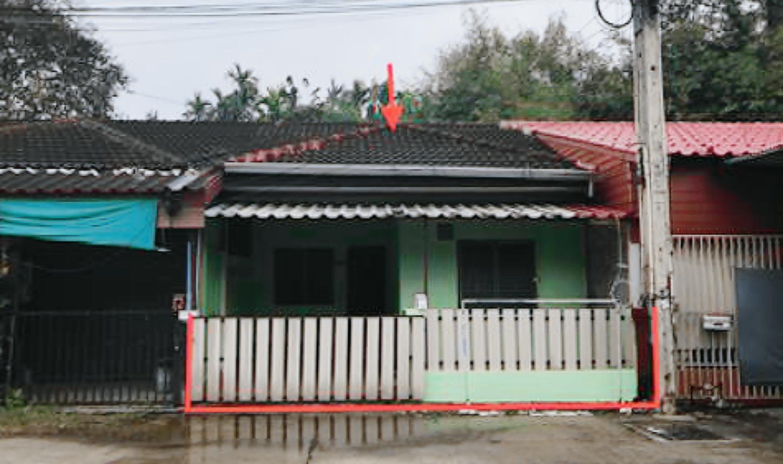 ขายถูก! ทาวน์เฮ้าส์ หมู่บ้านยอดเจริญ จังหวัดชลบุรี 03-88-04527