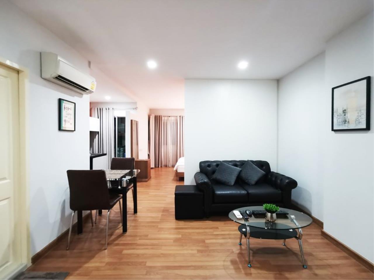 ☘️ให้เช่าคอนโด #PPPlus #Sukhumvit 71☘️ ห้อง Studio ขนาด 417 ตรม ชั้น 4 ระเบียงทิศตะวันออก วิวสระว่ายน้ำอาคาร Condo For R