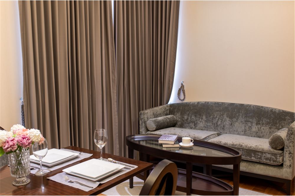 * FOR SALE * H Sukhumvit 43 10500000 THB                   22nd floor floor 5975 sqm 2 bedrooms 2 bathrooms  - ทิศใต้ วิ