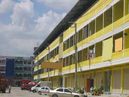 ให้เช่า อาคารพาณิชย์ 3 ชั้น เทพารักษ์ เมืองสมุทรปราการ 144 ตรม. 12 ตร.วา