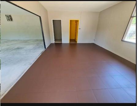 ให้เช่า  พื้นที่ในอาคาร ถนนศรีนครินทร์ สำโรงเหนือ เมืองสมุทรปราการ 144 ตรม. 36 ตร.วา เหมาะสำหรับเป็นโกดังกระจายสินค้า ยิม ฟิตเนส สำนักงาน