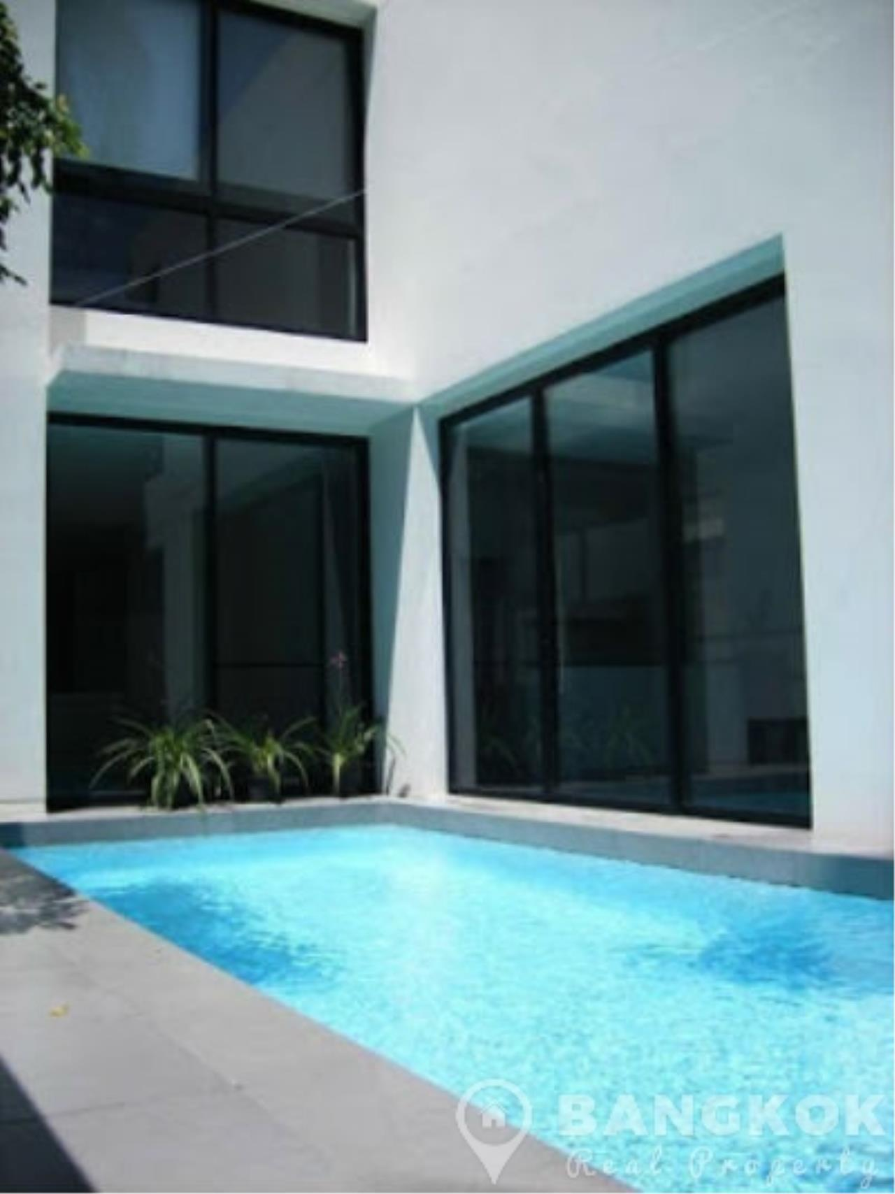 Modern Detached 4 Bed Thonglor House with Private Pool