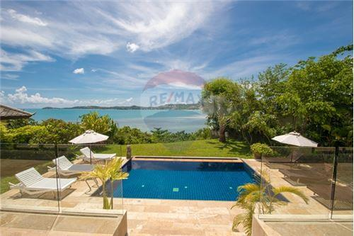 RE/MAX ID: YT 166  <BR> <BR>Land size: 650 sqm  <BR>Built size: 175 sqm <BR> <BR>The villa is located in one of the most sought after locations in Koh Samui.  <BR>2 minutes driving to Fisherman's village with its weekly Walking Street and choice of many delicious restaurants  <BR>15 minutes to Airport. <BR>Nestled in a private development the villa features a large modern styled open plan living room with sofa seating and a well-appointed western style kitchen and dining area. <BR>The pool and surrounding garden affords incredible views to Big Buddha due to the villa's unique location. <BR>No pets allowed <BR> <BR>Water - 35 THB per unit <BR>Electricity - 6,9 THB per unit <BR>TV (True Vision) - 2670THB per month <BR>Internet - 1545THB per month <BR> <BR>Long Term Rental Price 65,000 THB per Month (year contract). <BR> <BR>