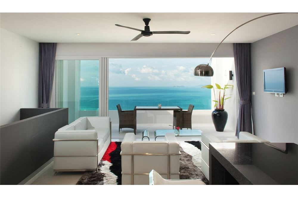 Modern apartment with sea-view  in Bang Po