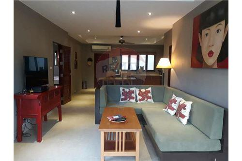 RE/MAX ID: YT 202 <BR>Stylish two bedroom townhouse in Bophut for long term rent <BR>Great location close to Big C and Macro Chaweng. <BR>2km to International School of Samui. <BR>2.5 km to Popular Fisherman's Village. <BR>This unit located on the corner and has more outdoor space around (good for  kids or BBQ area) <BR>Two bathrooms, One toilet, storage room.  <BR>Balcony and terrace with outdoor furniture <BR>Peacefull nice residence. <BR>Shared pool, sala, fence, car park. <BR>Fully equipment kitchen with oven. <BR>Washing machine. <BR>Big screen, satellite TV <BR>Fiber optic Internet. <BR>Pets not allowed. <BR>Price: 18 000THB per month  <BR>All extra bills included! <BR>(electricity, water, Internet, cleaning and linen change every 2 weeks. <BR>
