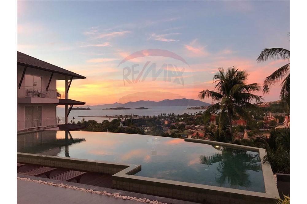Sea view modern apartment in Plai Laem