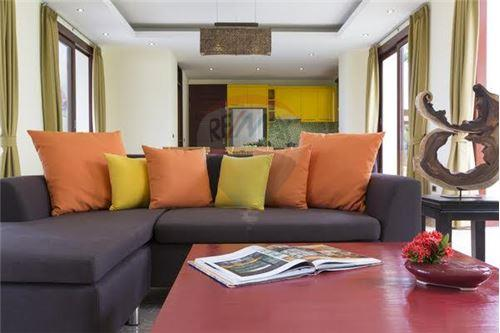 Modern Thai Villa close to Santiburi Golf Course