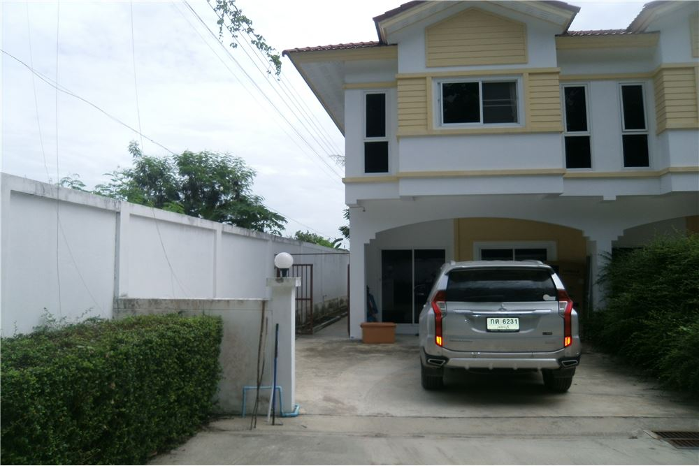 120 sqm Town House in Hup Kapong Resort.