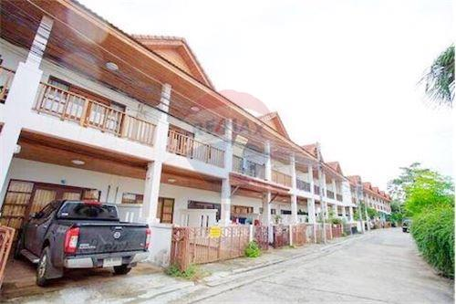 2 Bedroom Townhouse for sale in Chaweng, Surat Thani