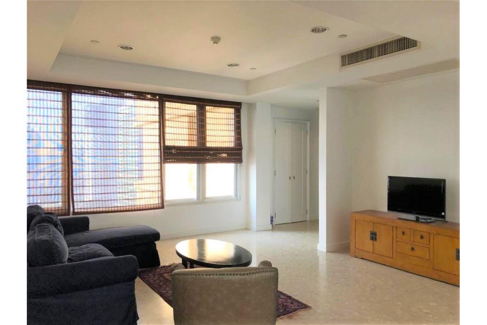 Wooden 3 Bedrooms / Hampton thong lor / For Rent
