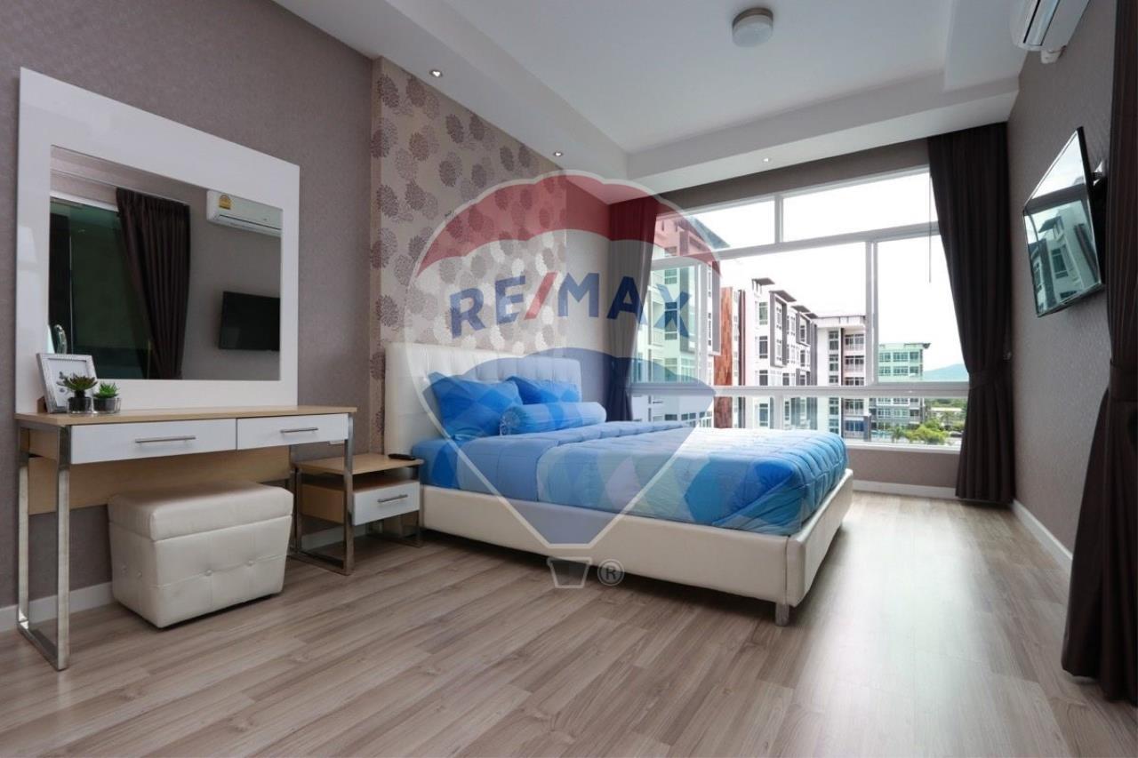 My Hip condominium for sell Hot Price !!