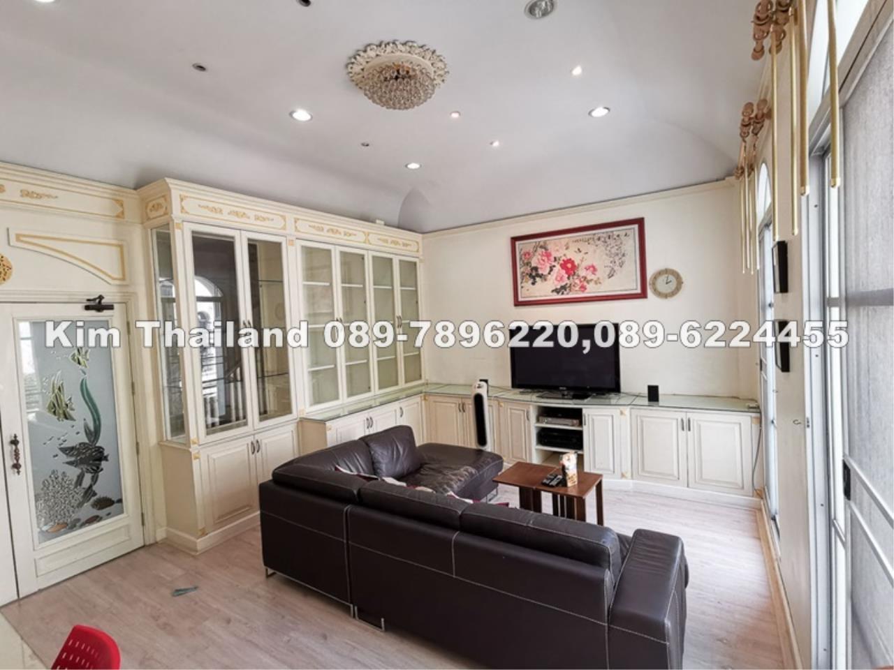 ขายทาวน์เฮ้าส์ 3.5 ชั้น บ้านกลางกรุง แกรนด์ เวียนนา พระราม 3 270 ตรม. ขาย 13.8 ล.